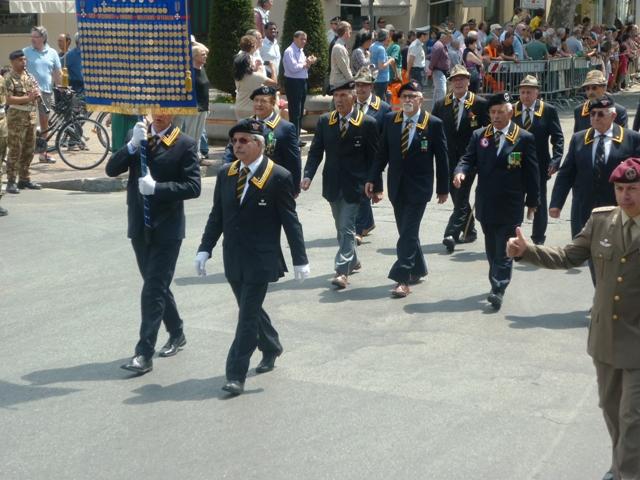 Lo sfilamento del Labaro Nazionale al Raduno di Prato il 23 giugno 2013